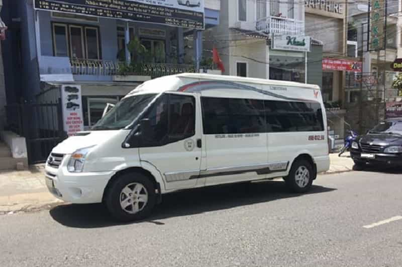 Minh Tri Limousine DaLat-Nha Trang outside