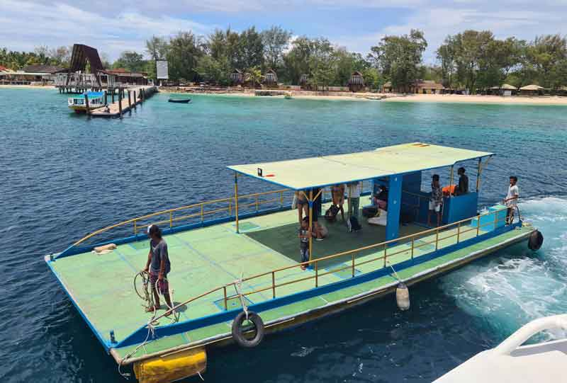 Transfer platform for ferry from Bali to Gili