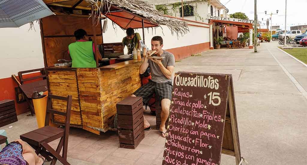 Streetfood in Bacalar Mexico