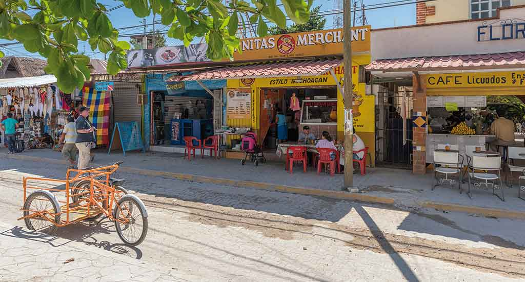 shop and restaurants in Tulum Mexico