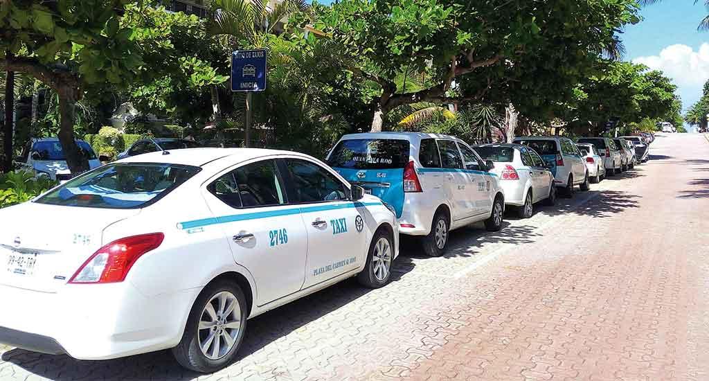 Taxis at Playa del Carmen