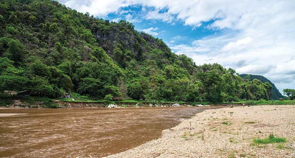 Scenery view of Kok river from Chiang Rai beach