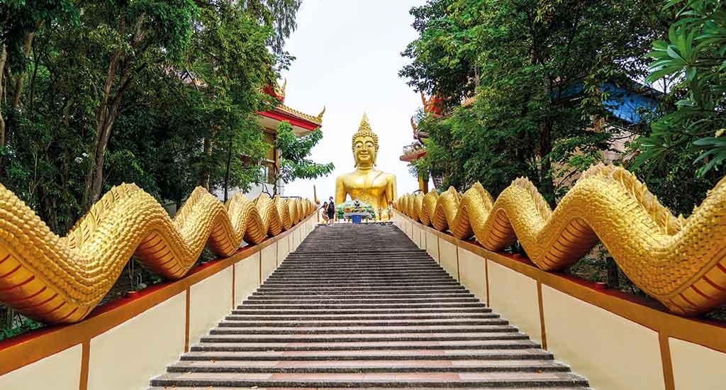 Big Buddha in Wat Phra Yai