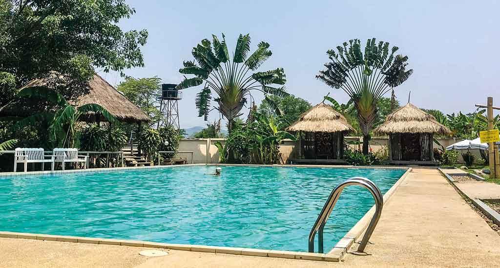 Fluid Swimming Pool in Pai