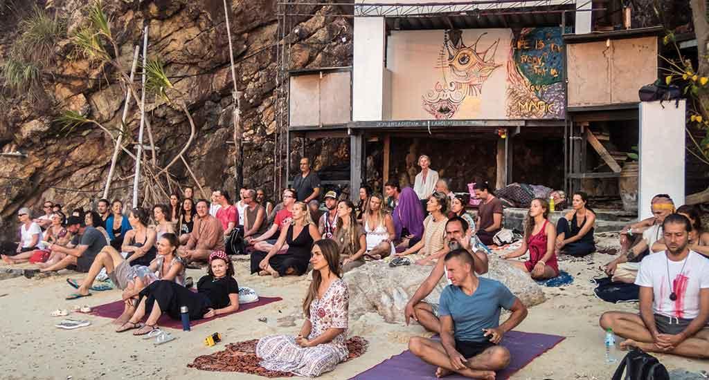 Meditating at Sri Thanu at Koh Phangan