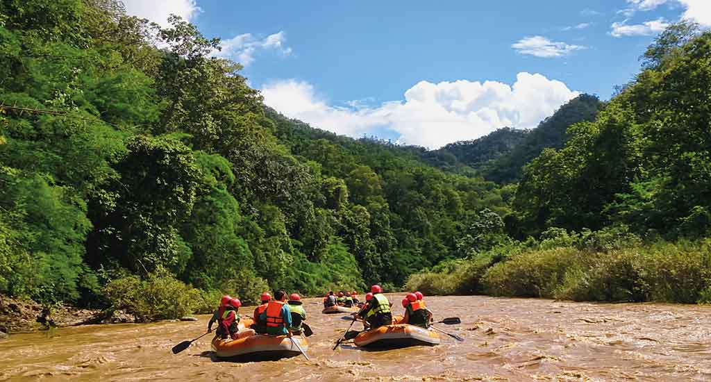Rafting in the river in Pai