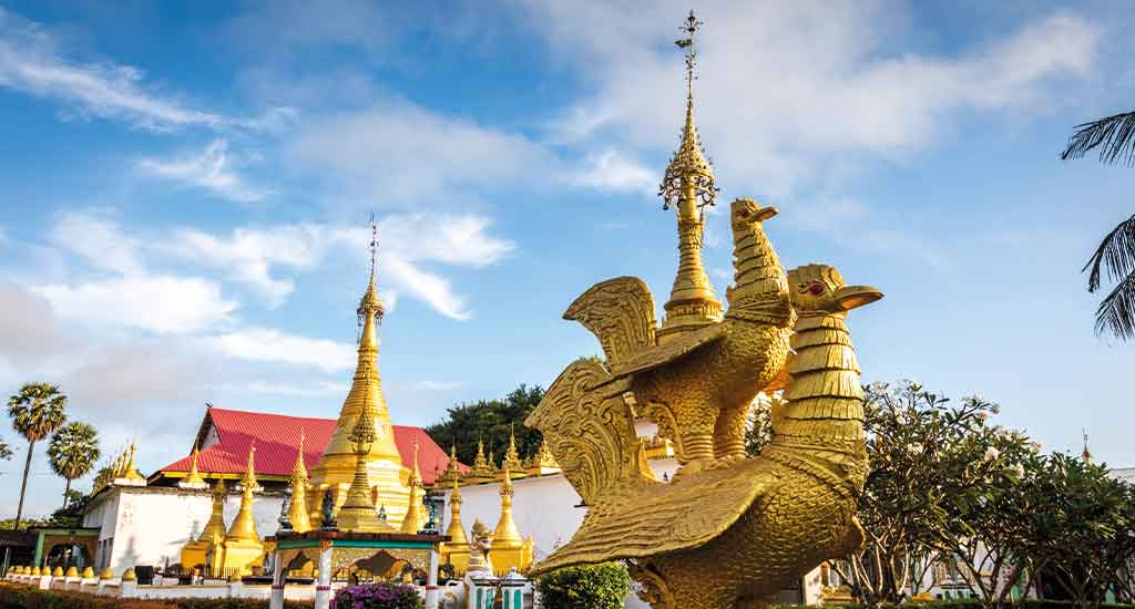 Watt Thai Wattanaram Temple in Mae Sot