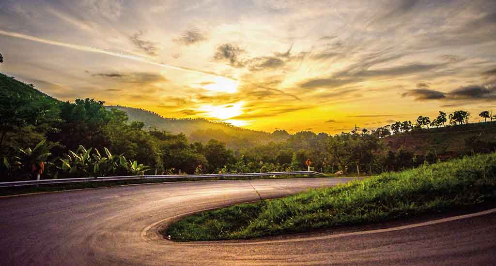 Curves of Pai route to Pang Ma Pha