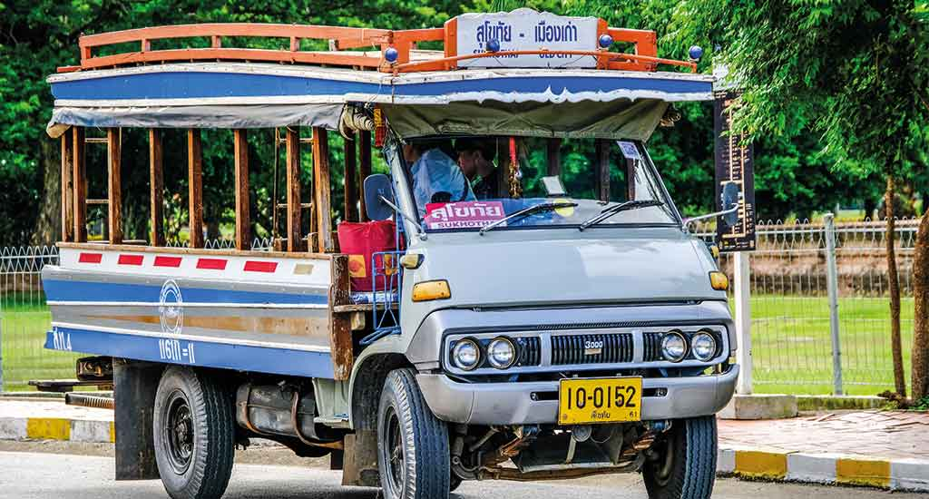Blue Songthaew to travel between New Sukhothai and Old Sukhothai
